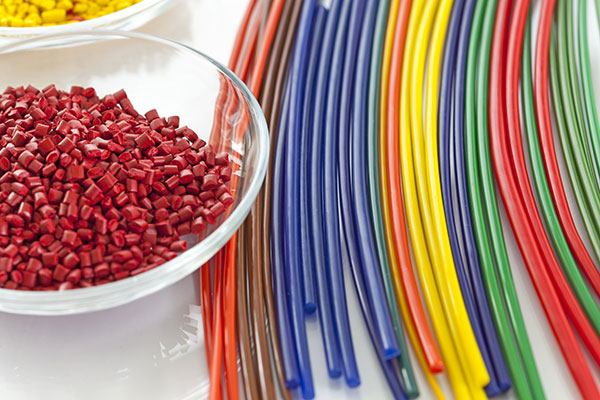 Forming of Thermoplastics: 6 Advantages Over Thermoset Materials